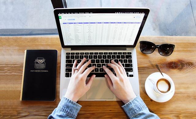 Dokumen Mata Kuliah Aplikasi Komputer Bisnis Doctrina Aeternam